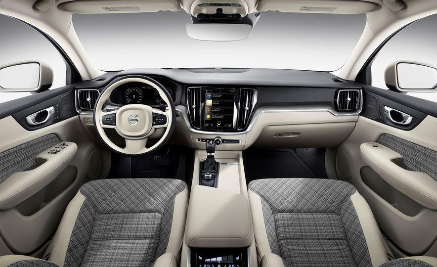 2019 Volvo V60 - Slide 49