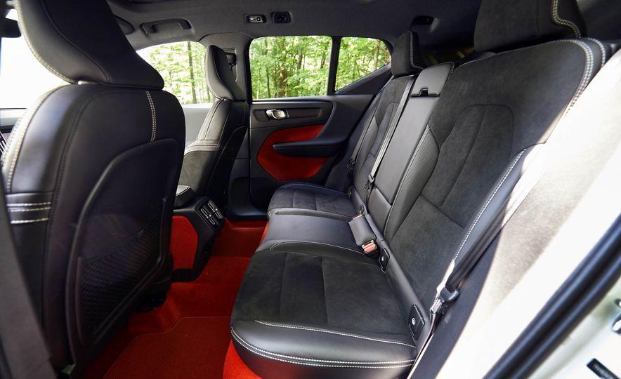 2019 Volvo XC40 T5 AWD, 2018 BMW X2 xDrive28i, and 2018 Jaguar E-Pace P250 AWD - Slide 19
