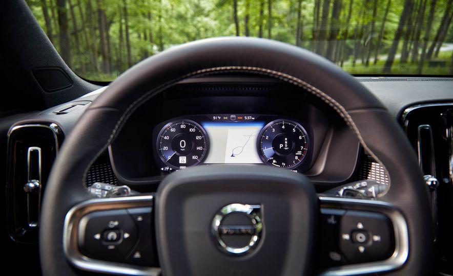 2019 Volvo XC40 T5 AWD, 2018 BMW X2 xDrive28i, and 2018 Jaguar E-Pace P250 AWD - Slide 20