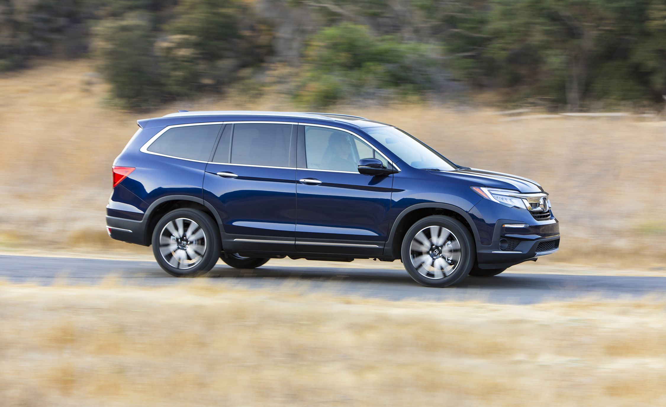 2019 Honda Pilot Refreshed Looks Better Driving