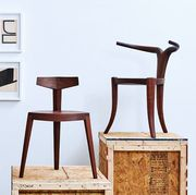 chairs on pedestal