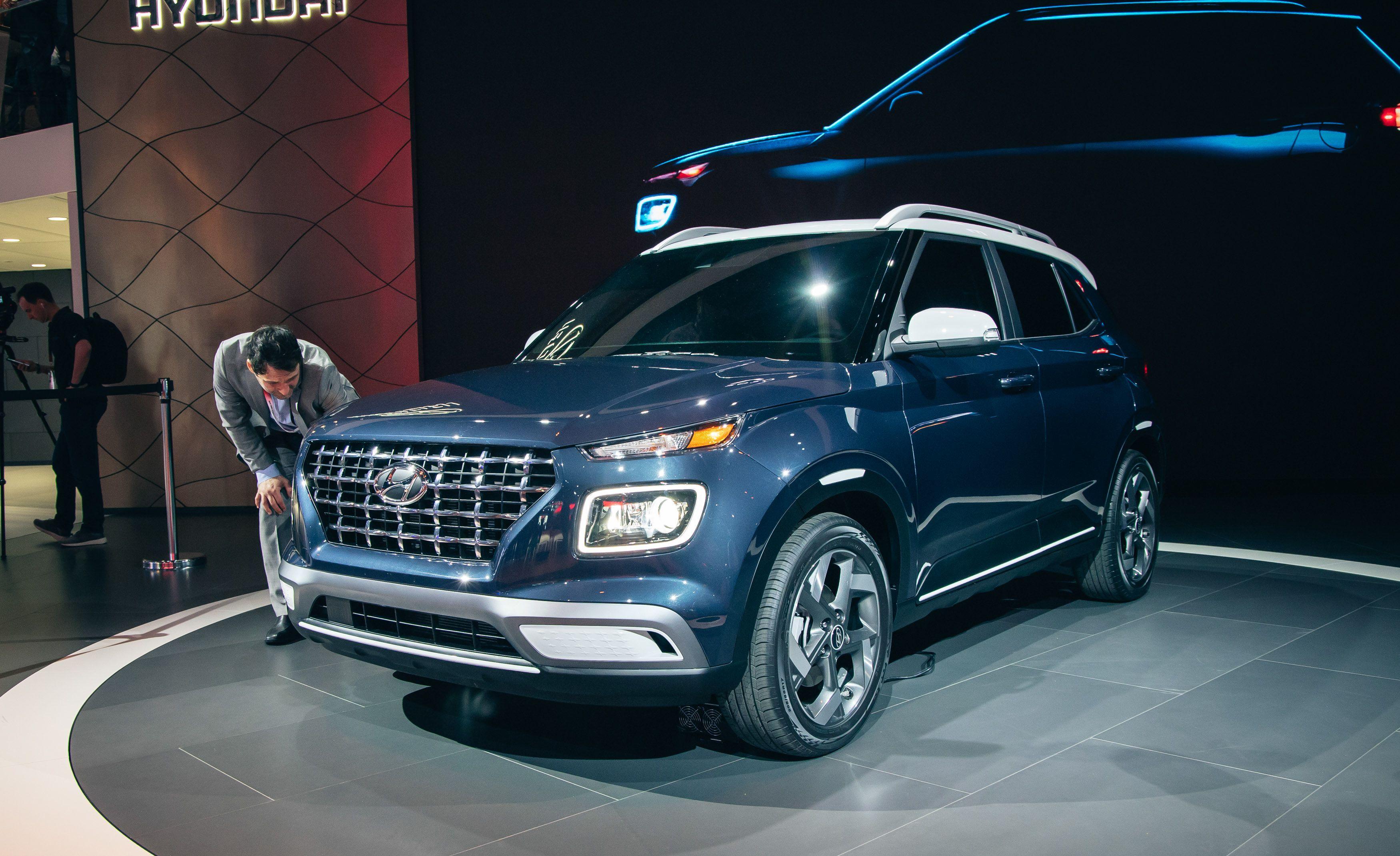2020 Hyundai Venue Reviews | Hyundai Venue Price, Photos ...