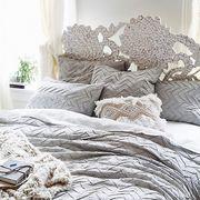 Bedding, Bed sheet, Bedroom, Room, Furniture, Duvet cover, Bed, Textile, Duvet, Pillow,