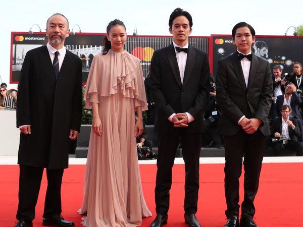 映画祭常連の塚本晋也監督、初めての時代劇『斬、』をべネチアが熱烈歓迎!