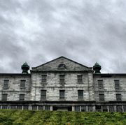 House, Building, Property, Architecture, Estate, Sky, Home, Roof, Facade, Tree,