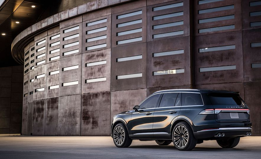 What Carries Over from the Lincoln Aviator SUV Concept to the Production Model? This Stuff - Slide 6