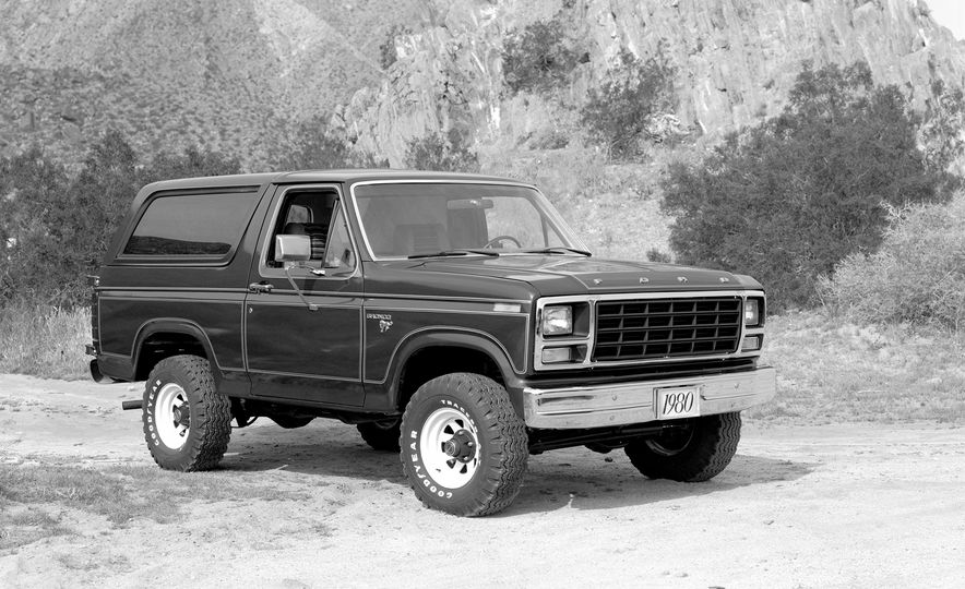 A Visual History of the Ford Bronco, from Trail Crawling to Slow-Speed Chases - Slide 7