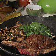 steak and mushroom with garlic spinach