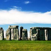 stonehenge monument to erections