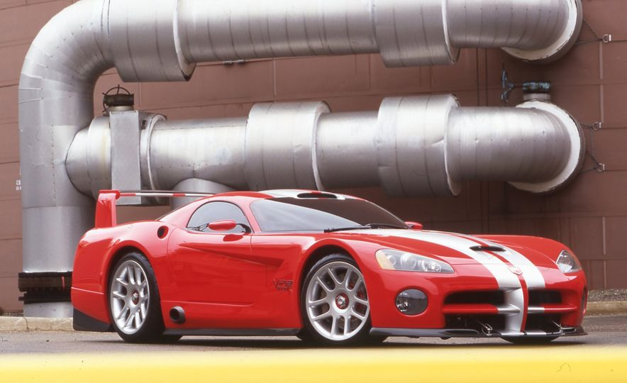 Snake, Recoiled: A Visual History of the Dodge Viper - Slide 10