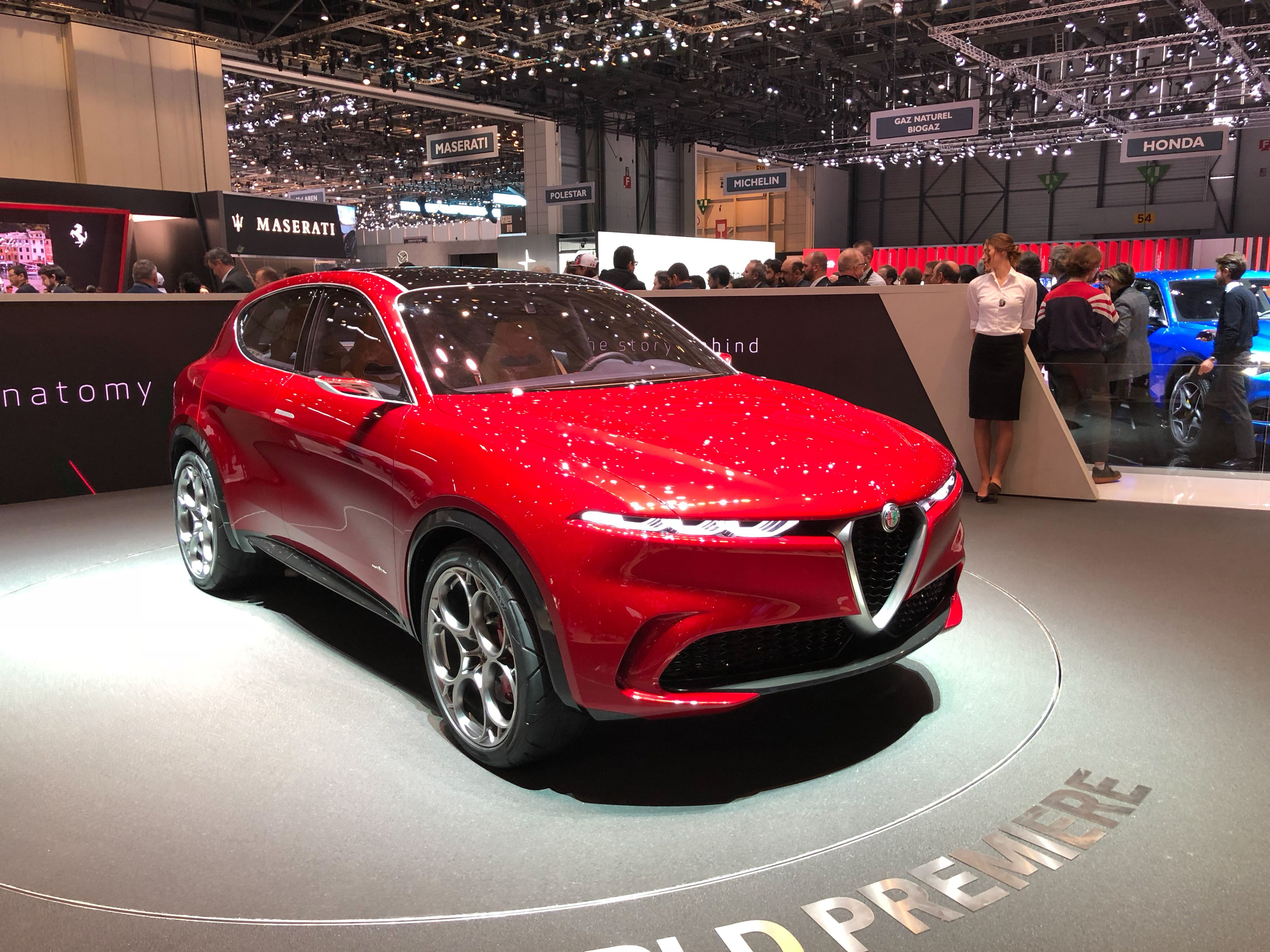 The Alfa Romeo Tonale Concept Previews a New Small SUV that Will Be Alfa's First Hybrid