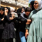 women in israel crying