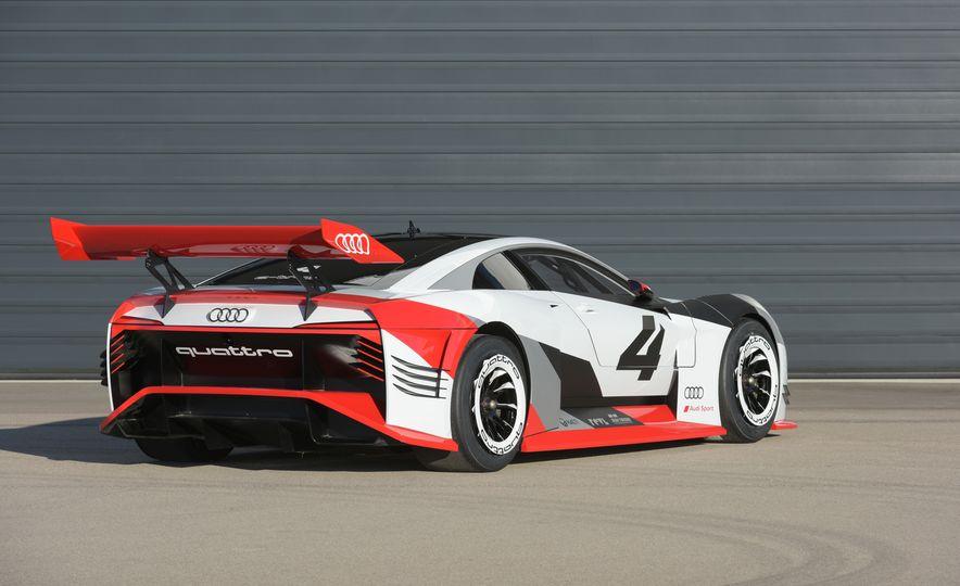 Audi e-tron Vision Gran Turismo - Slide 14