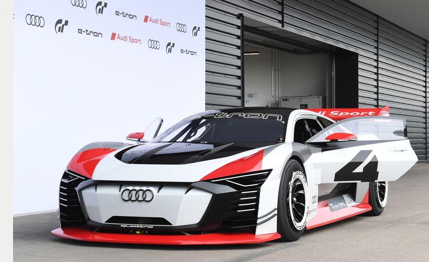Audi e-tron Vision Gran Turismo - Slide 15