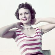betty white holding her neck
