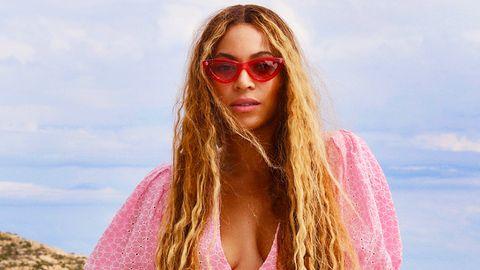 Beyoncé's Portrait Joins the Smithsonian's Permanent Collection