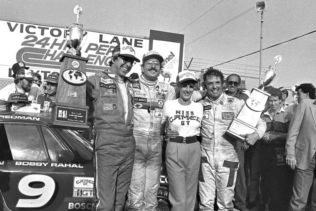 Brian Redman (R) at 1981 Daytona 24 Hours, with Bob Garretson (L) and Bobby Rahal.