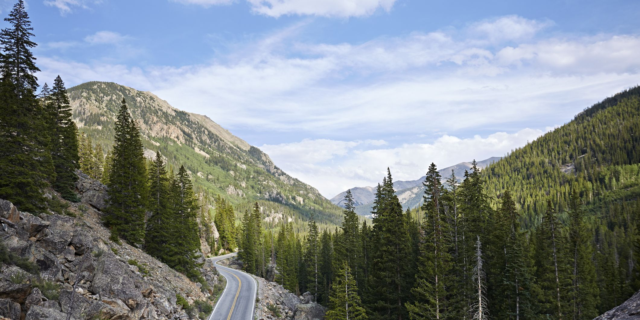 Planning an Epic Road Trip: 8 Tips You Need to Follow