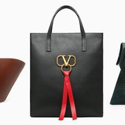 Handbag, Bag, Fashion accessory, Product, Brown, Leather, Tote bag, Material property, Shoulder bag, Font,