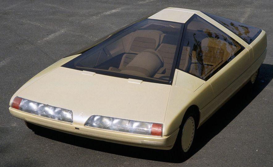 Doorstop Believin': 27 Incredible Concept Cars of the Wedge Era - Slide 30