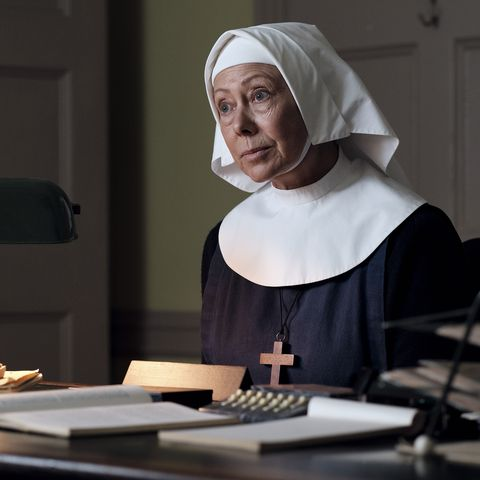 jenny agutter as sister julienne in call the midwife