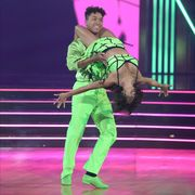 dancing with the stars lift rule