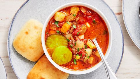 preview for This Cozy Hamburger Soup = Comfort Food To The Max
