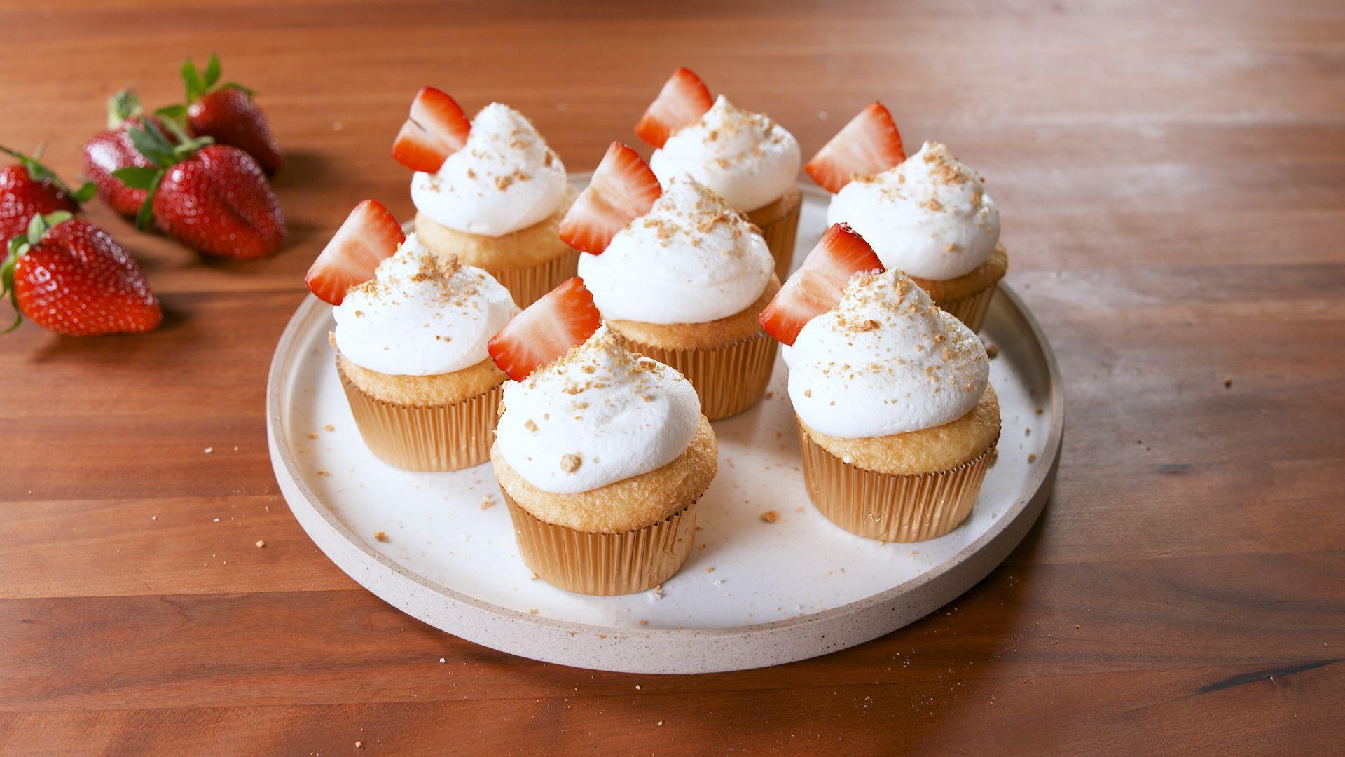 Strawberry Cheesecake Stuffed Cupcakes