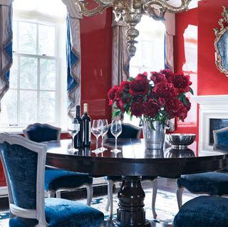 Room, Interior design, Table, Furniture, Interior design, Glass, Picture frame, Centrepiece, Home, Dining room,
