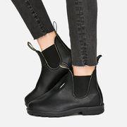 Footwear, Boot, Shoe, Riding boot, Knee-high boot, Fashion, Leg, Human leg, High heels, Leather,