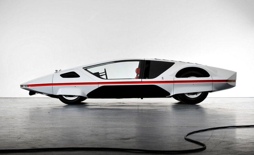 Doorstop Believin': 27 Incredible Concept Cars of the Wedge Era - Slide 13