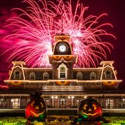 Fireworks, Landmark, Event, Fête, Architecture, Night, Recreation, New year's eve, Holiday, New year,