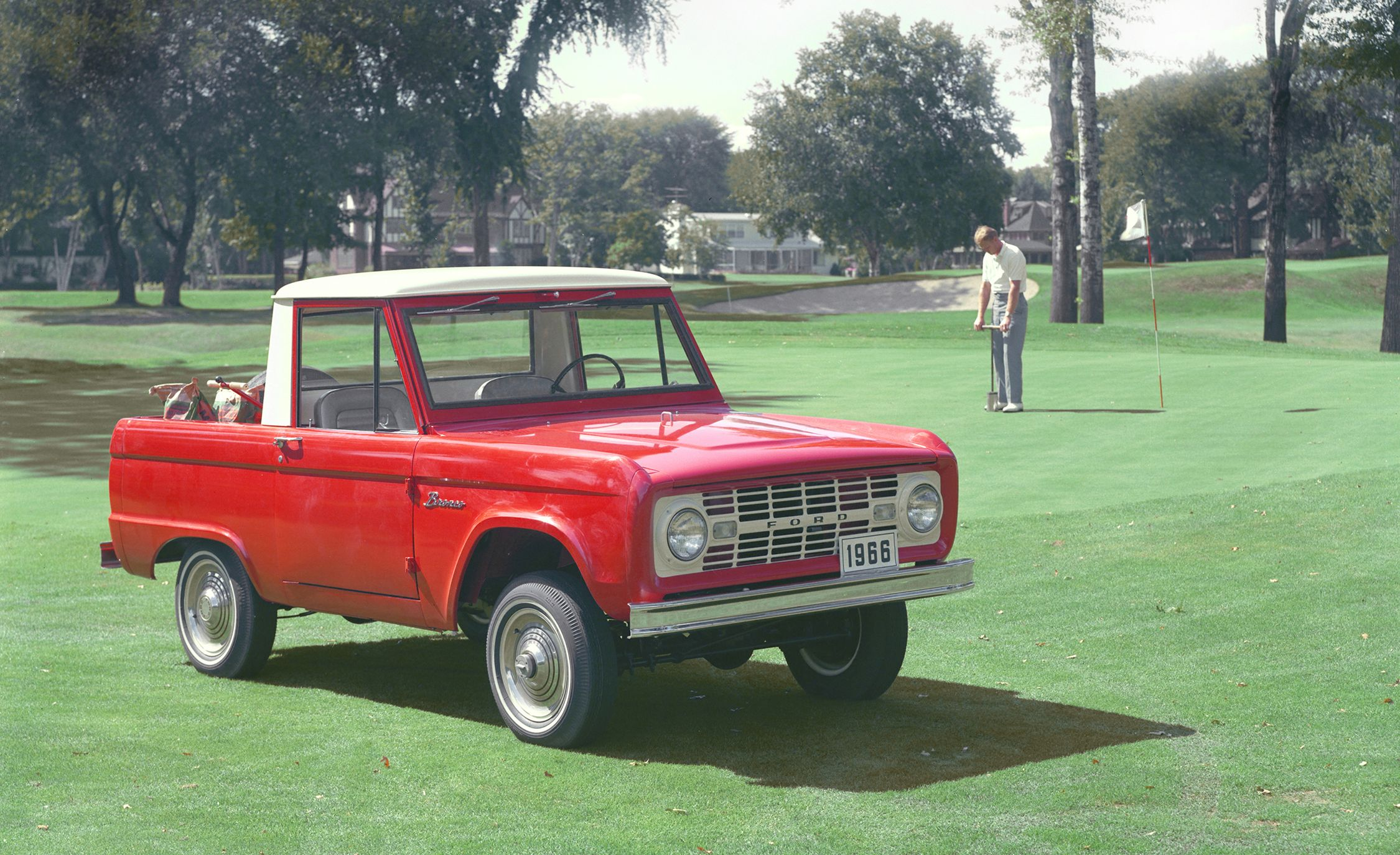 Ford Called the OG Bronco a Four-Wheel-Drive Sports Car in TV Ads