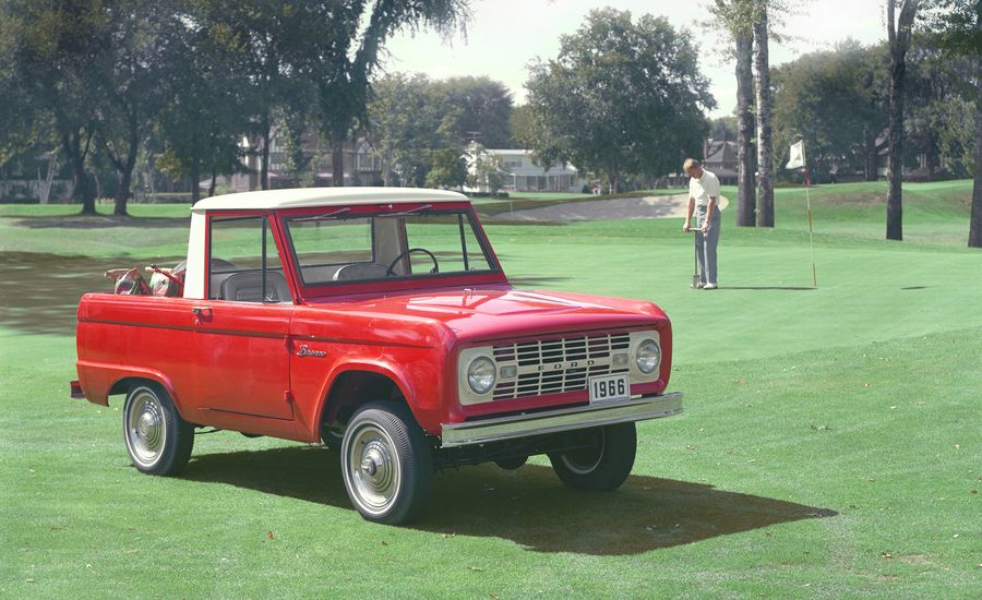 "The Ford Bronco Was the ""First Four-Wheel-Drive Sports Car"" in TV Ads"