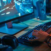 man using gaming pc