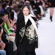 Style, Crowd, Street fashion, Fashion, Audience, Fashion design, Fashion model, Makeover, Handbag, Camera,