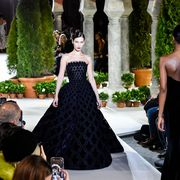 Fashion, Haute couture, Dress, Clothing, Gown, Fashion model, Event, Runway, Formal wear, Fashion design,