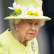 queen elizabeth ii visits the royal australian air force memorial