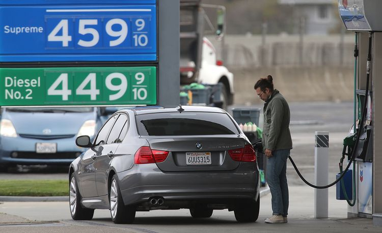 Trump Directs EPA to Loosen Rules on Ethanol in Gasoline