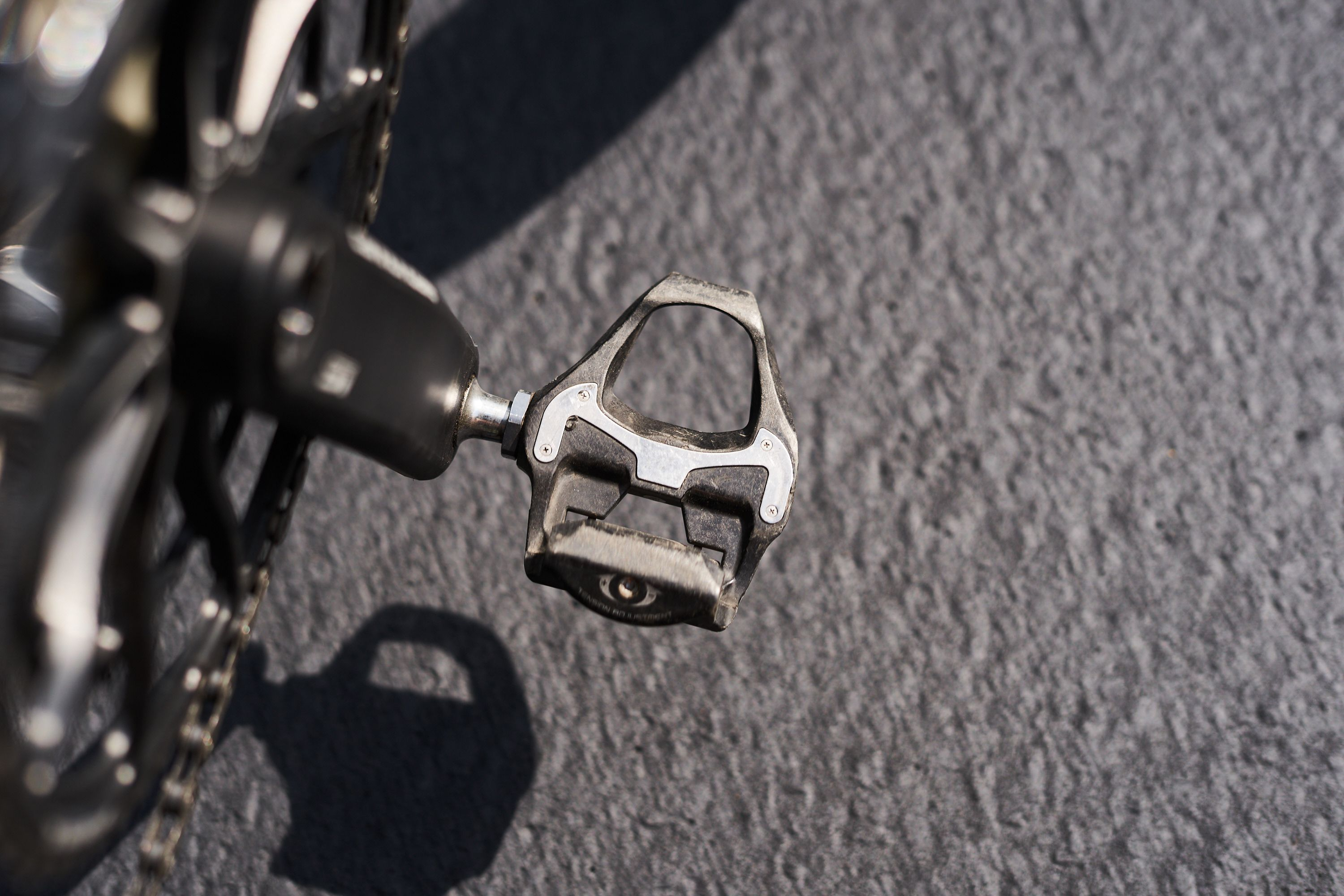 how to install clipless pedals Shimano SPD SL