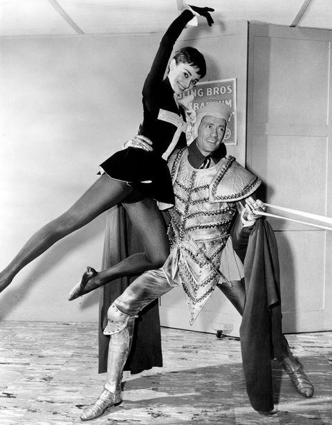 Dance, Dancer, Performing arts, Choreography, Leg, Performance, Black-and-white, Footwear, Event, Modern dance,