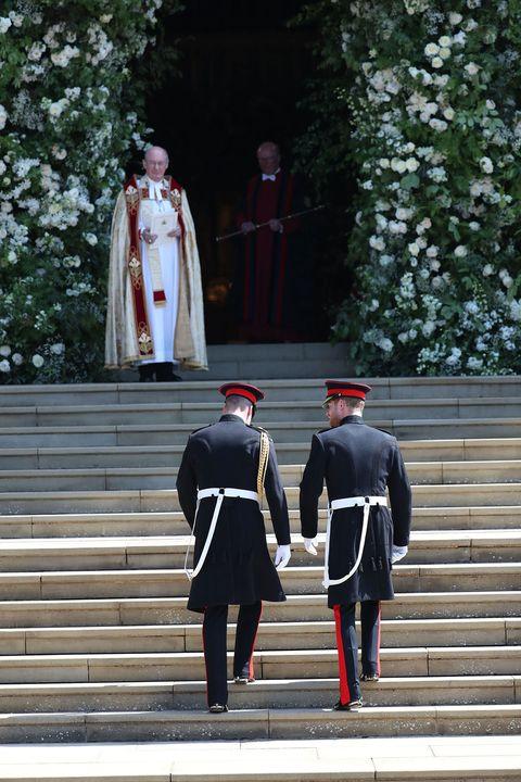 Uniform, Red, Standing, Tree, Headgear, Military uniform, Memorial, Gesture, Ceremony, Grenadier,