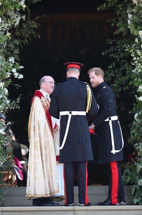 Uniform, Cope, Cardinal, Outerwear, Tradition, Bishop, Event, Bishop, Ceremony,
