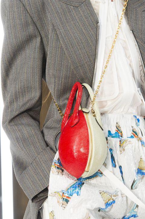 White, Bag, Hobo bag, Handbag, Fashion accessory, Hand, Tradition, Beige,