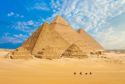 Pyramid, Monument, Landmark, Historic site, Ancient history, Natural environment, Unesco world heritage site, Ecoregion, Sand, Wonders of the world,