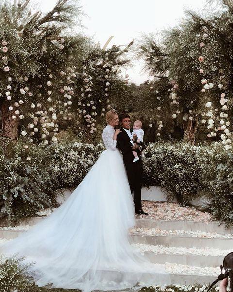 Bride, Gown, Wedding dress, Photograph, Dress, Bridal clothing, Clothing, Bridal accessory, Wedding, Ceremony,