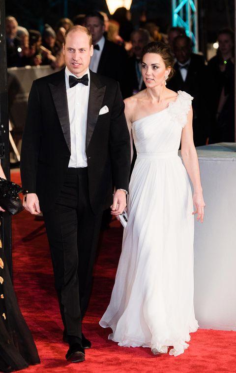 Red carpet, Gown, Carpet, Dress, Clothing, Flooring, Formal wear, Suit, Premiere, Fashion,