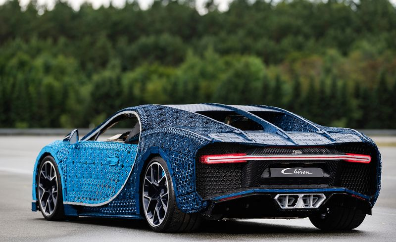 This Drivable Lego Bugatti Chiron Has 2304 Electric Motors and One ...