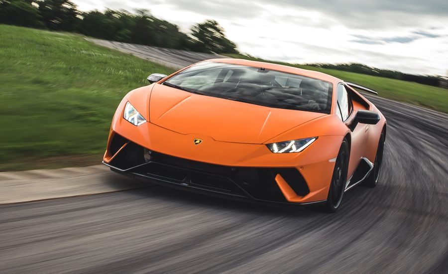 2018 Lamborghini Huracan Performante at Lightning Lap 2018