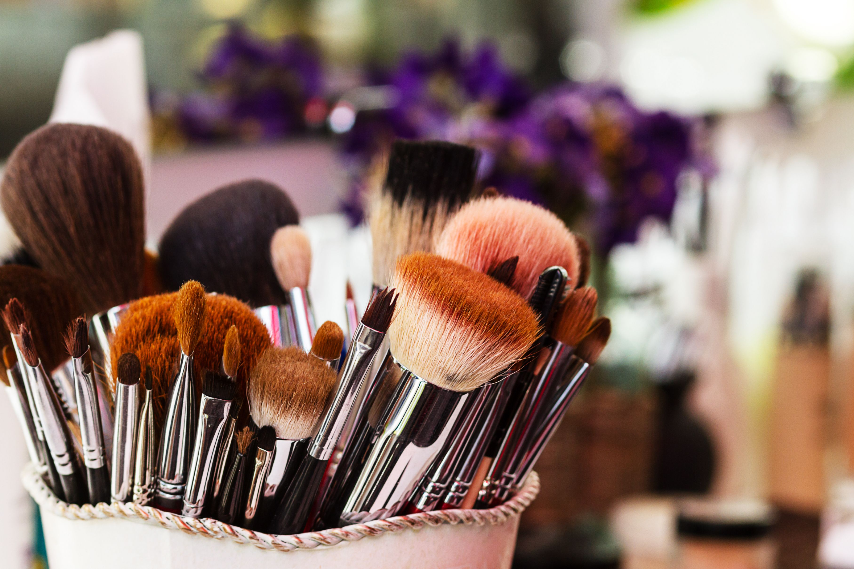 Makeup Brushes, workplace makeup artist
